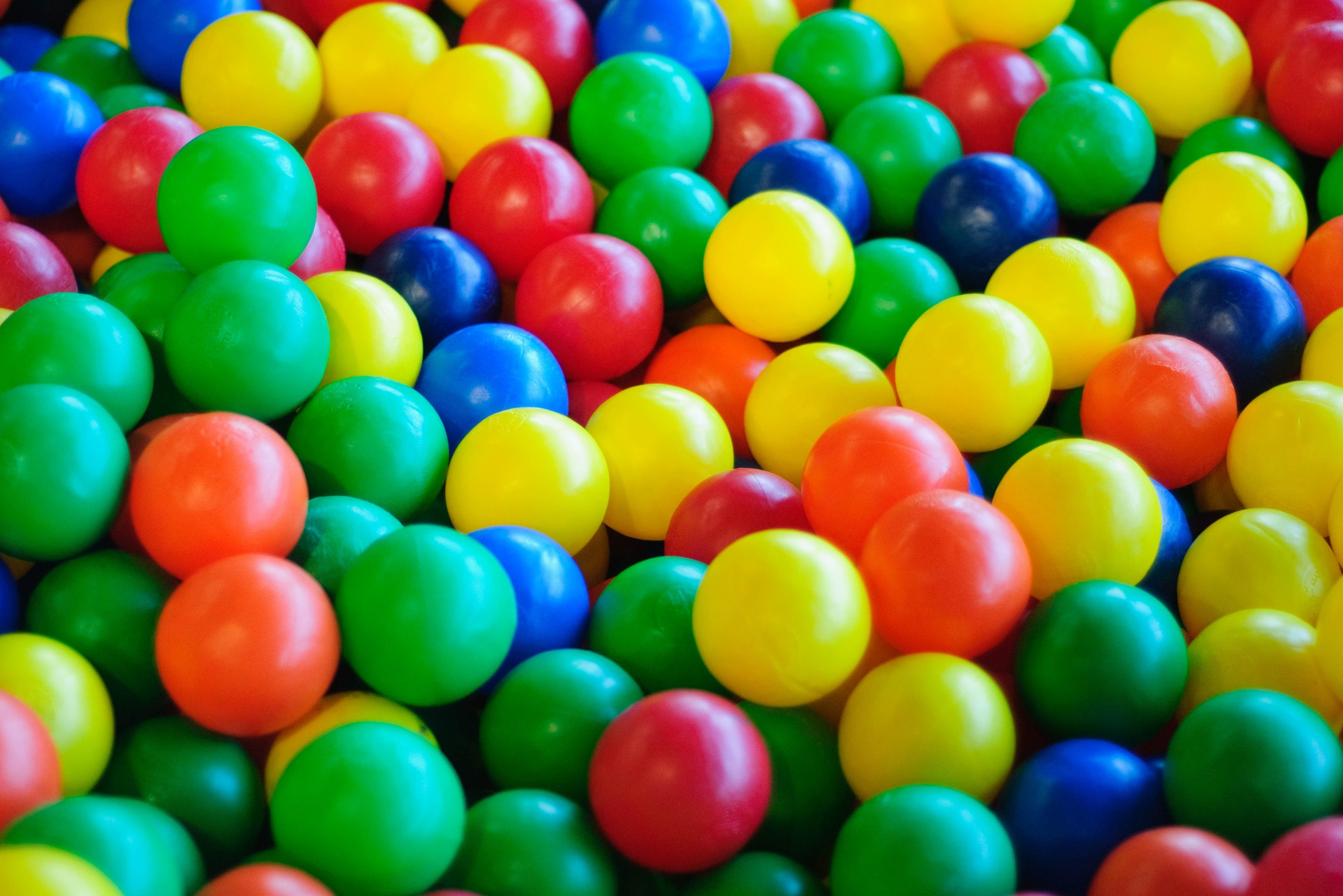 Soft-play ball pit
