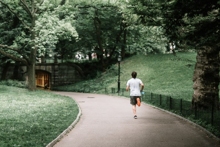 Will runners wearing face masks outside reduce Covid-19 transmission?